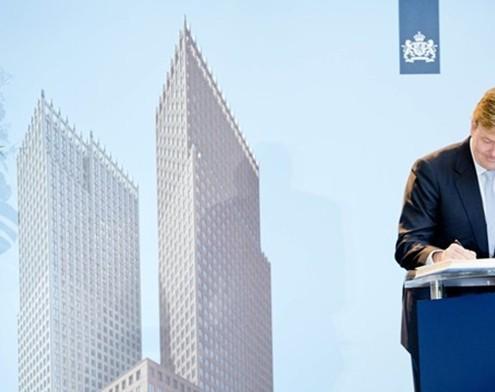 Koning opent nieuwbouw ministerie van Binnenlandse Zaken en Koninkrijksrelaties en ministerie van Veiligheid en Justitie